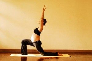 2a anjaneyasana crescent moon - first trimester